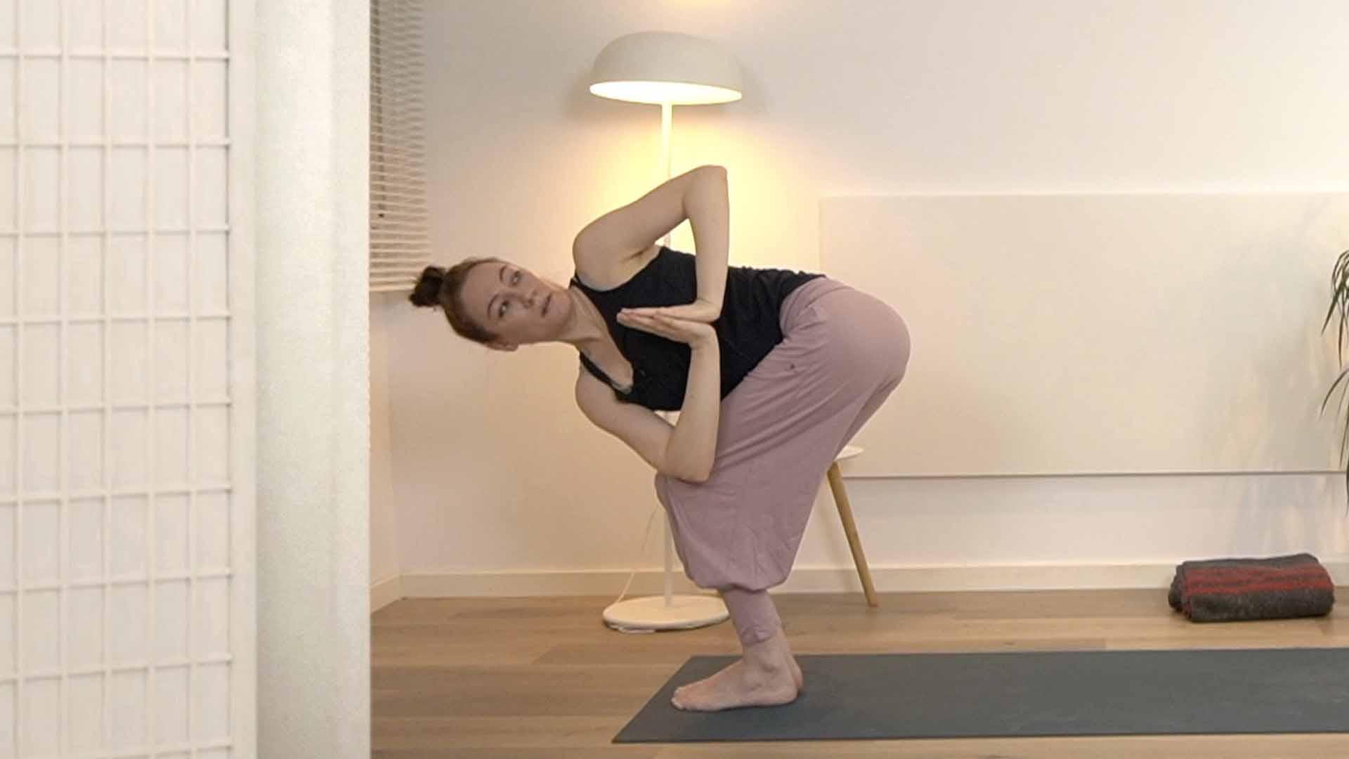 clase de yoga para mejorar la concentración